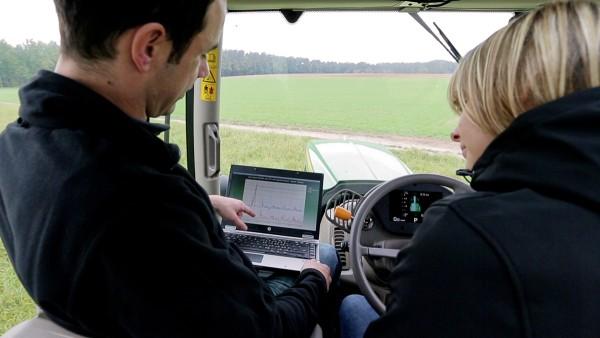 셰플러는 농업에 총체적 서비스를 제공합니다.