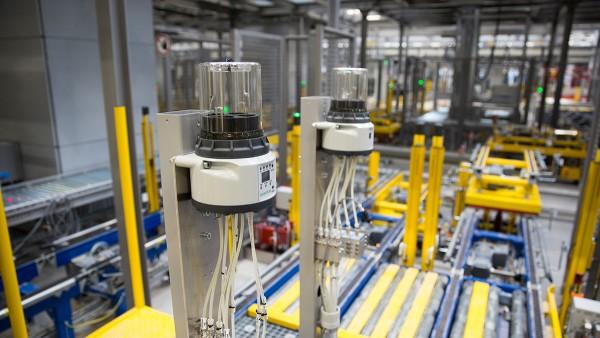셰플러의 새 창고 및 유통 센터에서는 자율 서브시스템을 통해 안정적인 자재 흐름이 보장됩니다.